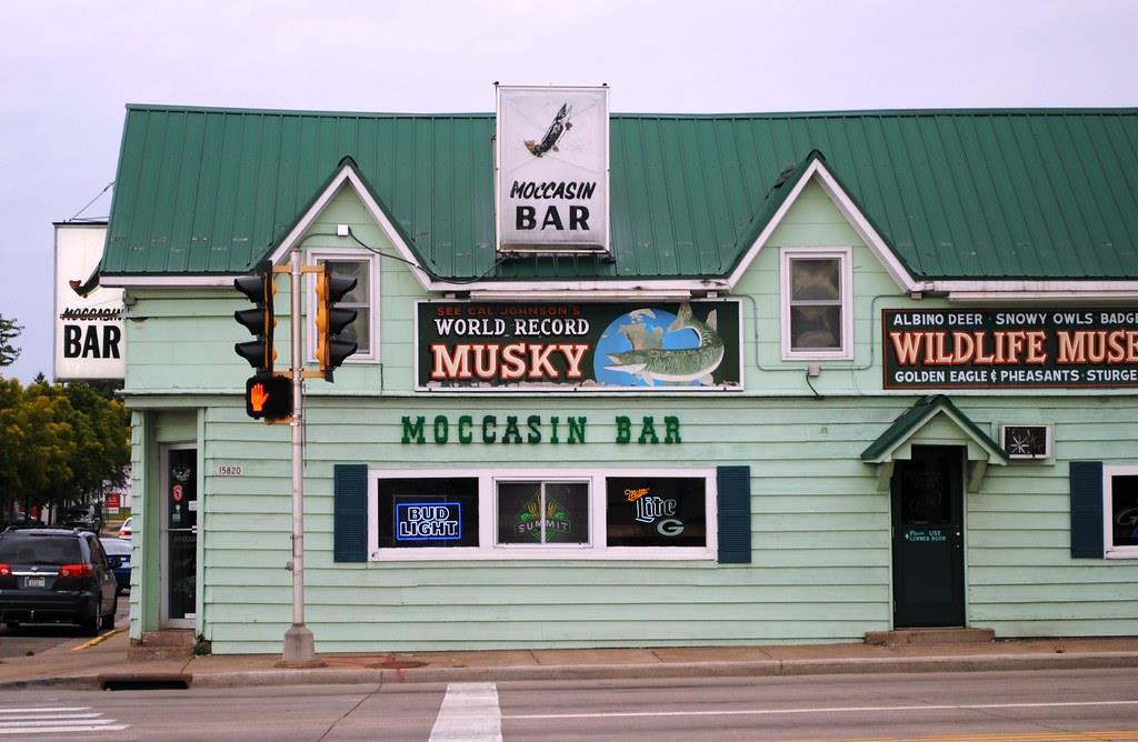 Moccasin Bar